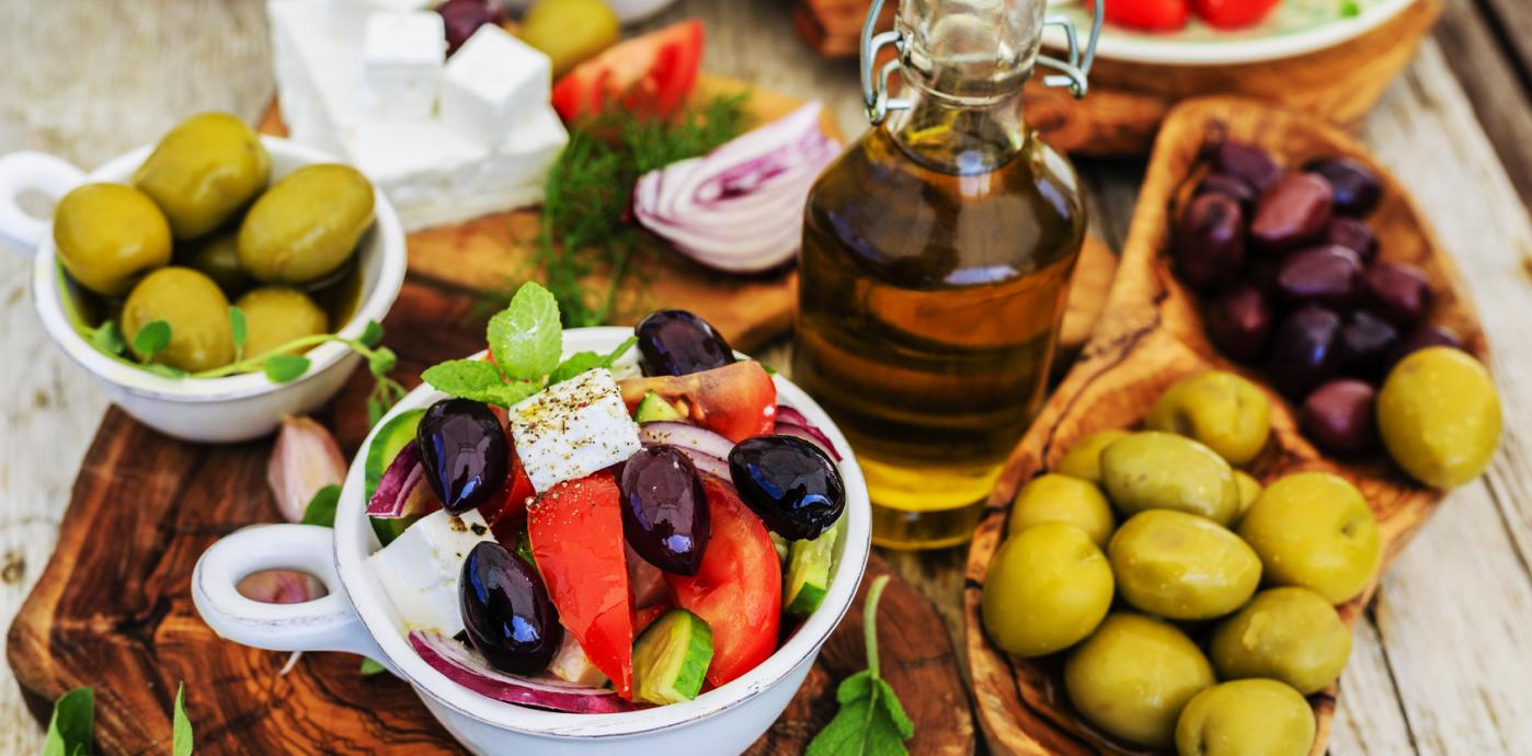 Fotolia_85508145_Greek_salad.jpg