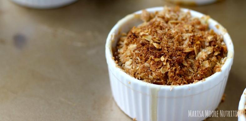 Maple-Ginger-Pear-Crumble-Marisa-Moore-Nutrition.jpg