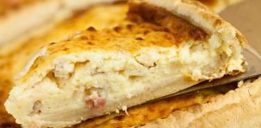 Oat and Amaranth-Crusted Ham and Cheese Quiche