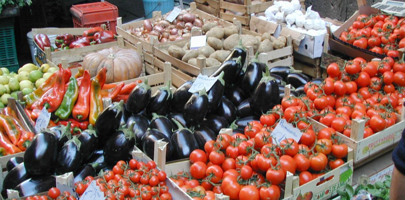 SicilyCatania market veg BC.jpg