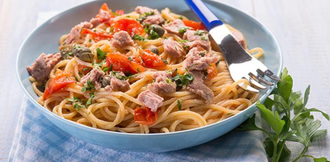Spaghetti with Tuna, Capers, Tomato