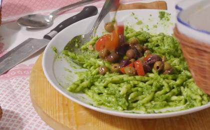 Pesto Olive Tomato Pasta_Parmigiano Reggiano