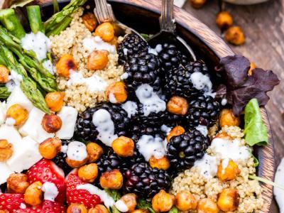 Berry-Asparagus-Quinoa-Feta-Salad-Sweet-Crispy-Chickpeas-Picture.jpg