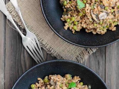 Farro-Recipe-with-Mushrooms-Peas-The-Mediterranean-Dish-1.jpg