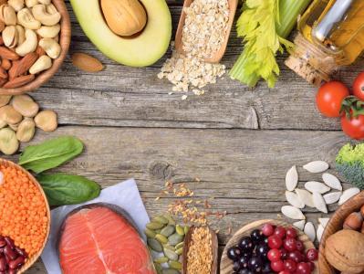 Fotolia_106693035_healthy-food-board.jpg