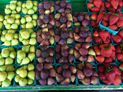 Fruit at market.jpg