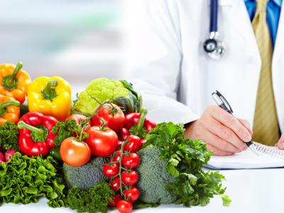 HealthProfessional-writingnotes-vegetables-Fotolia_69013562_S.jpg