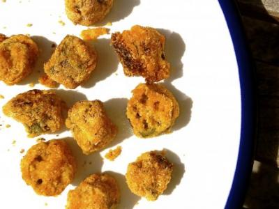 Cornmeal Crusted Okra Bites