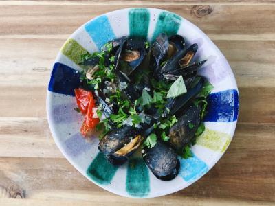 Lemongrass Basil Mussels