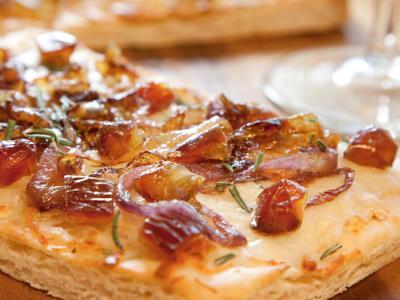 Medjool Date Caramelized Onion Pizza