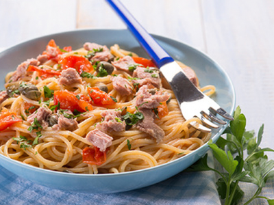Spaghetti with Tuna, Capers, Tomato
