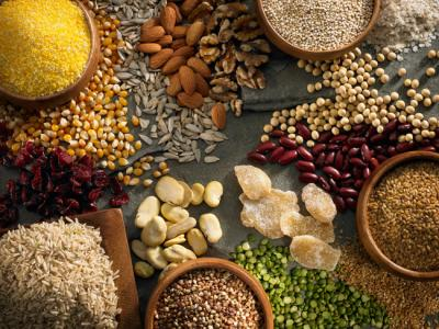 IStock 000019335226-grains NutsFORWEB.jpg