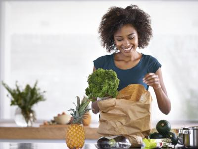 iStock_000057441188_L-woman-groceries.jpg