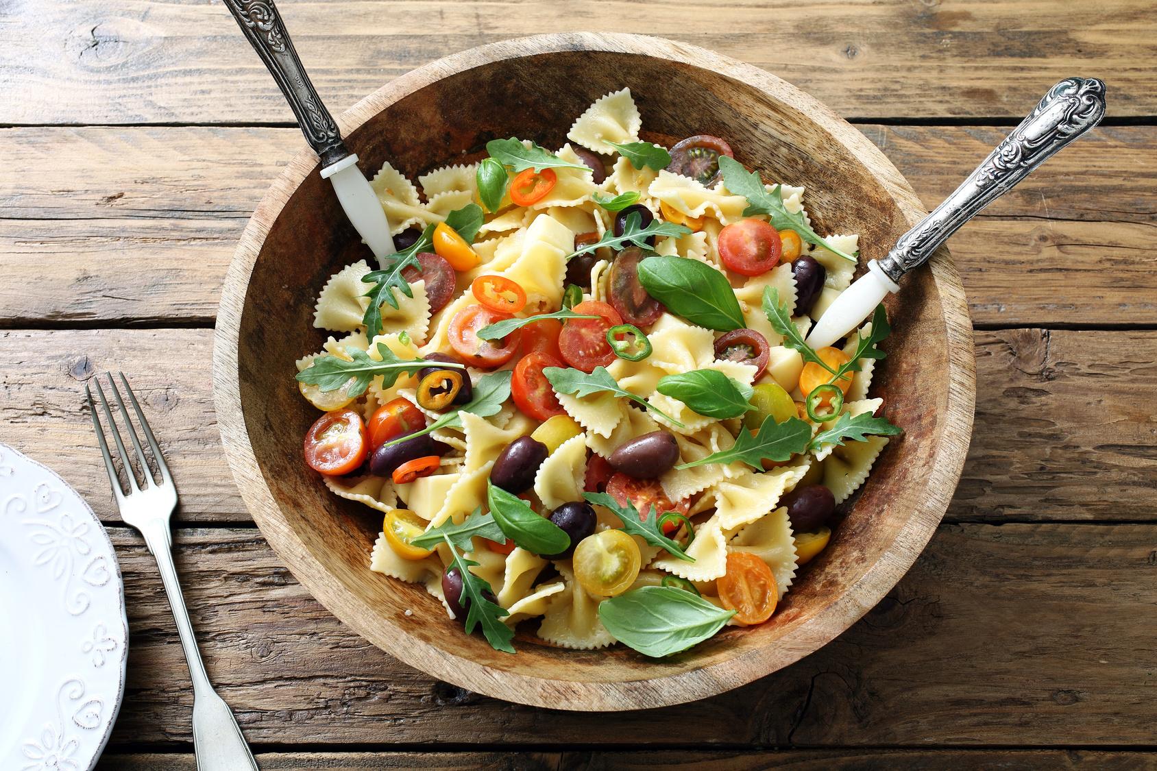 PastaMeal-bowties-tomatoes-olives-basil-Fotolia_109899492.jpg