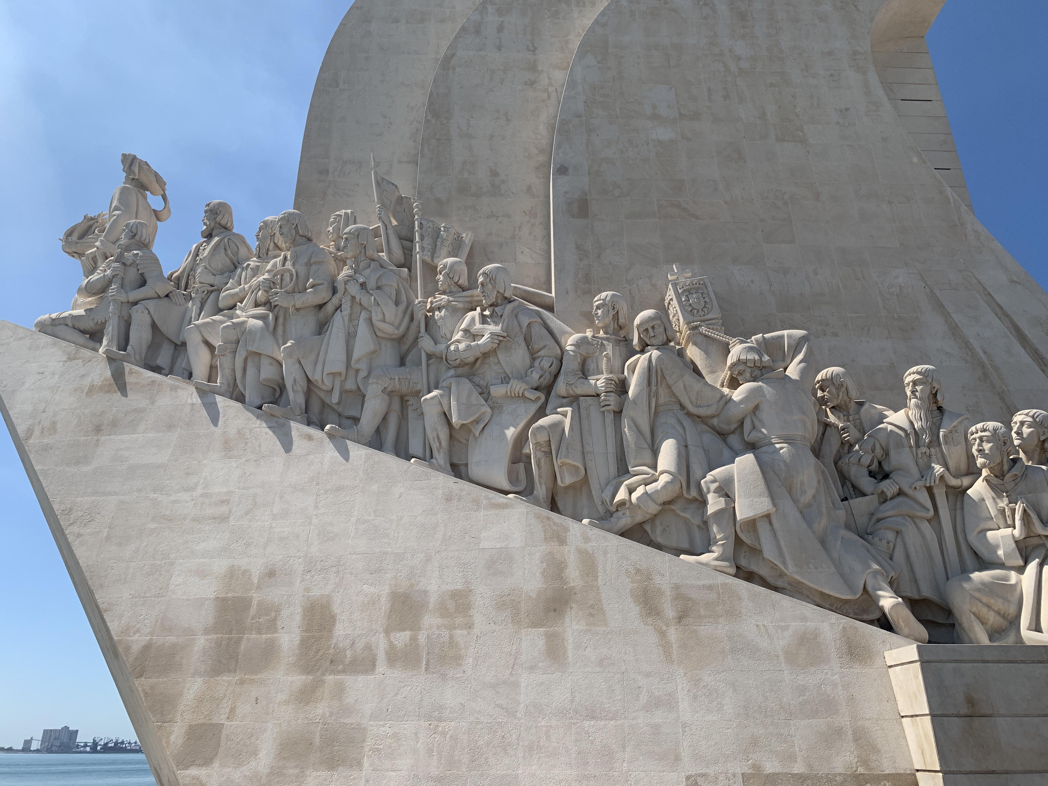 Portuguese explorers monument.JPG