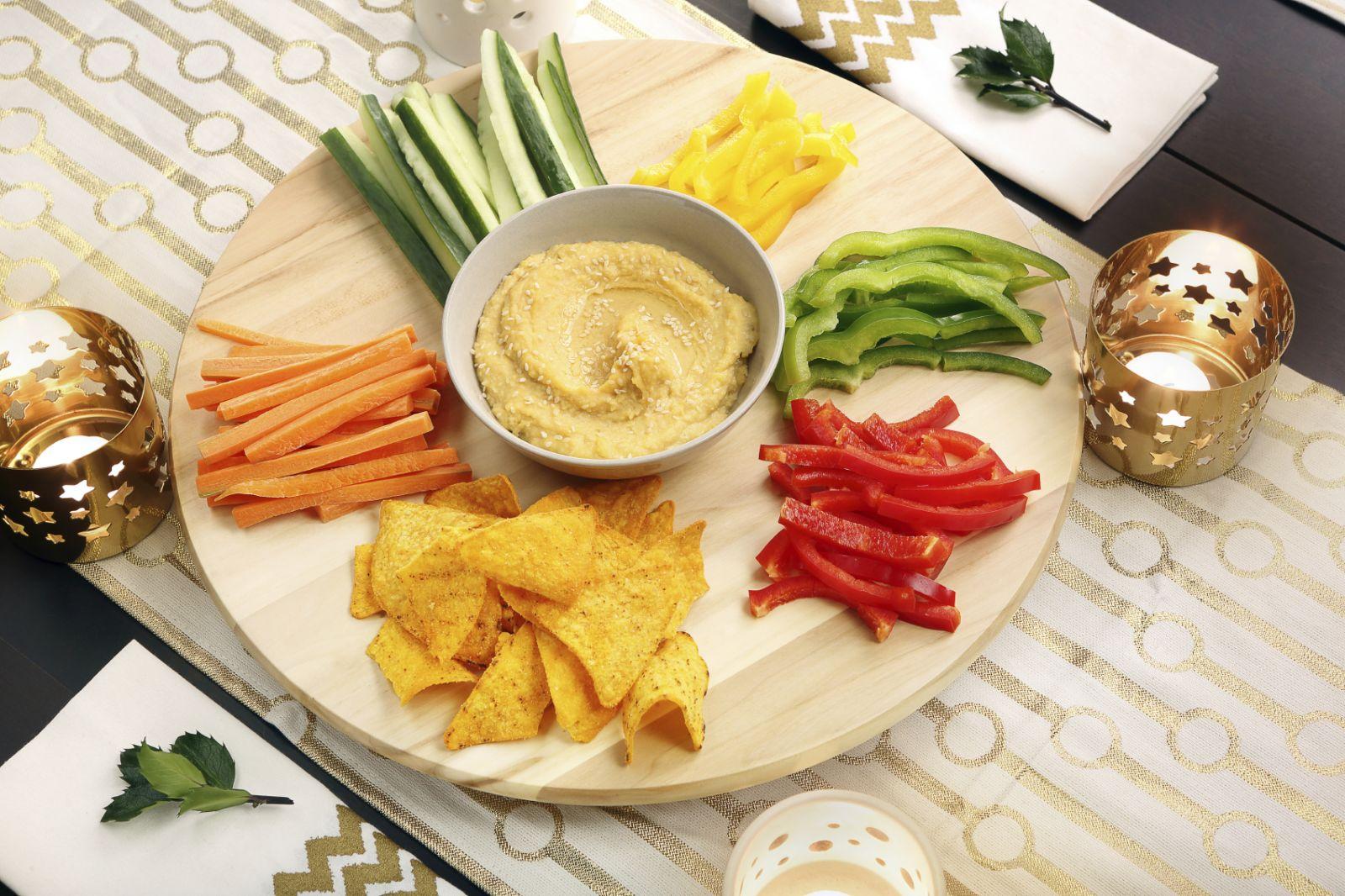 IStock 000055379720 Hummus.jpg
