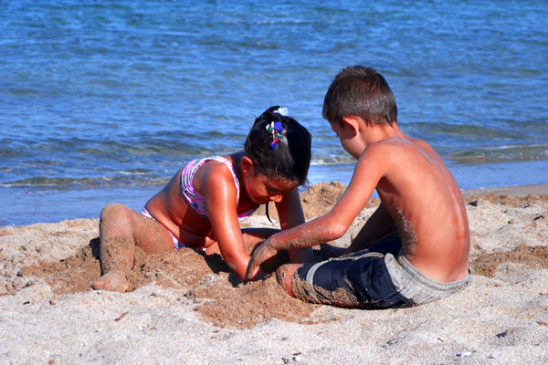 Kids-at-beach.jpg