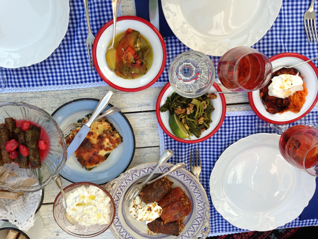 Lunch-table-at-asma-yapragi.jpg