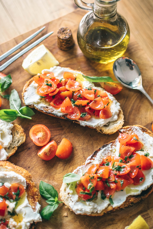 olive oil tomato toast.jpg