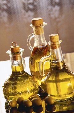 Olive-oil-e1308599686443.jpg