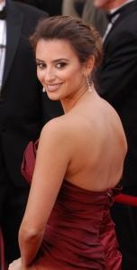 Penelope Cruz  2010 Academy Awards Cropped.jpg