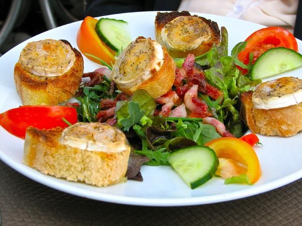 Saladechevrechaudsm.jpg